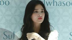 Song Hye Kyo lộ dáng gầy gò, mệt mỏi sau khi ly hôn Song Joong Ki