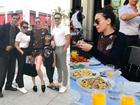 Hồ Ngọc Hà sánh đôi Kim Lý đưa gia đình khám phá xứ sở cờ hoa