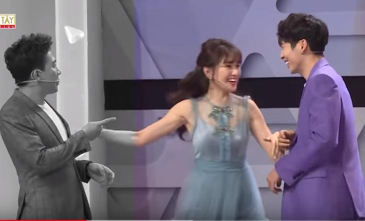 Thấy trai đẹp xuất hiện, Hari Won lập tức ghẻ lạnh Trấn Thành khiến chồng sững sờ trên sóng truyền hình-1
