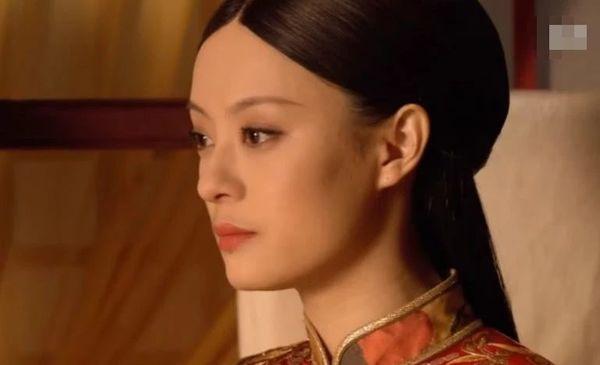 Áp lực khủng khiếp mà bạn diễn của Tôn Lệ phải đối mặt khi diễn chung với cô-2