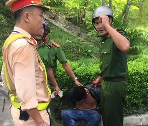 Nam thanh niên lái xế hộp đâm hàng loạt xe trong hầm Hải Vân-3
