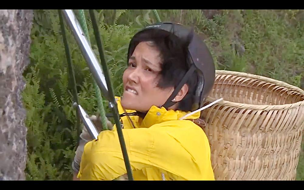 Nhìn HHen Niê cực nhọc leo thang dây, Minh Triệu hối hận khi để Kỳ Duyên thực hiện thử thách quá khó-2