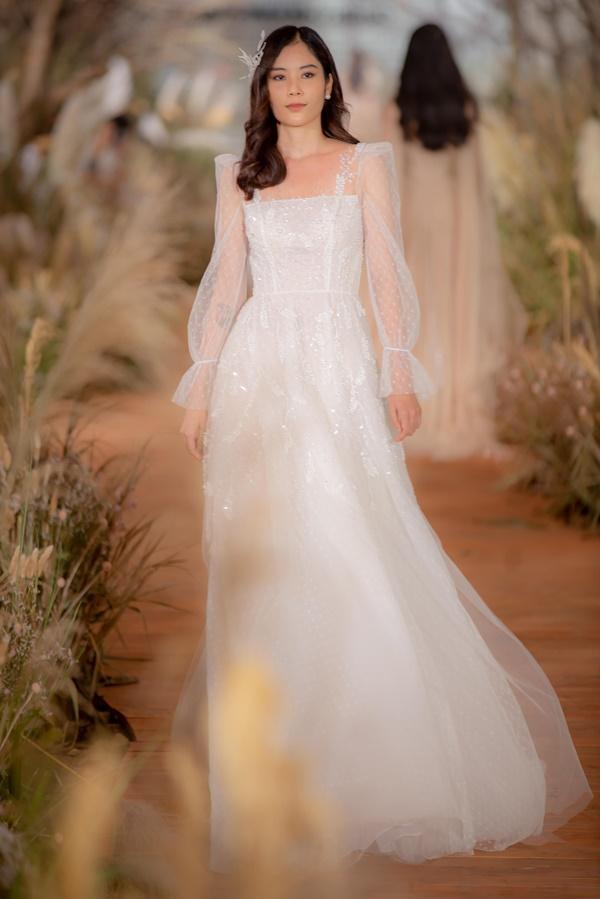 Hoàng Thùy mặc váy cưới làm cô dâu gợi cảm-8