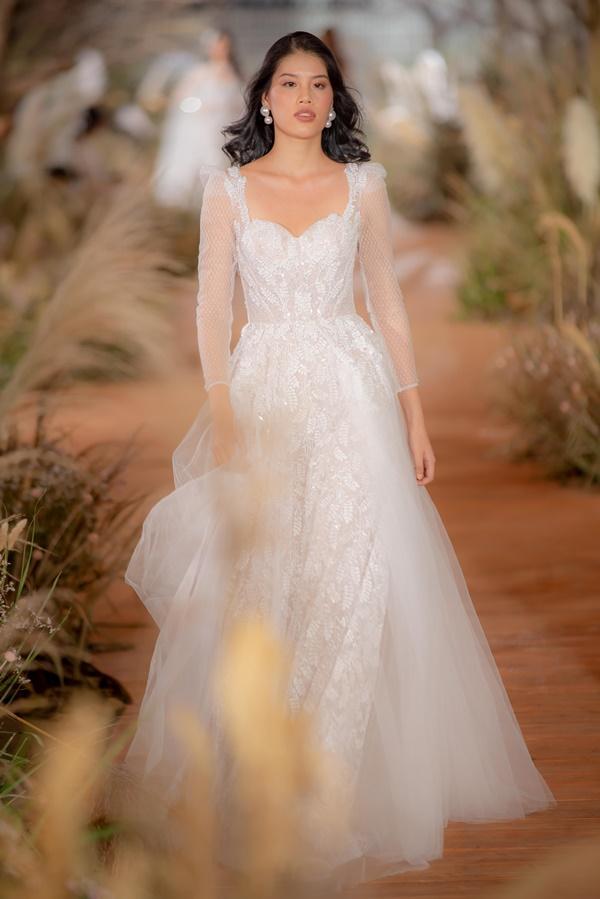 Hoàng Thùy mặc váy cưới làm cô dâu gợi cảm-9