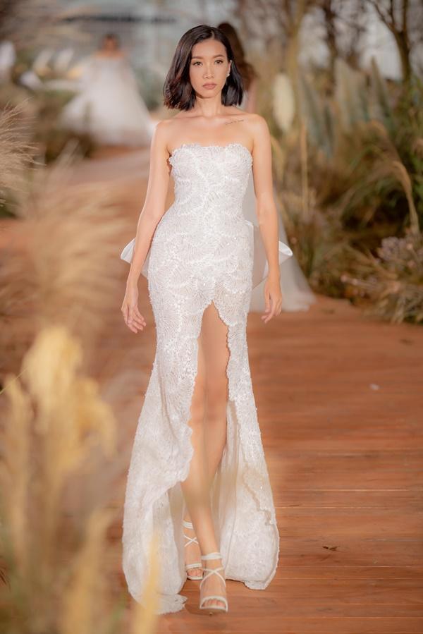 Hoàng Thùy mặc váy cưới làm cô dâu gợi cảm-16