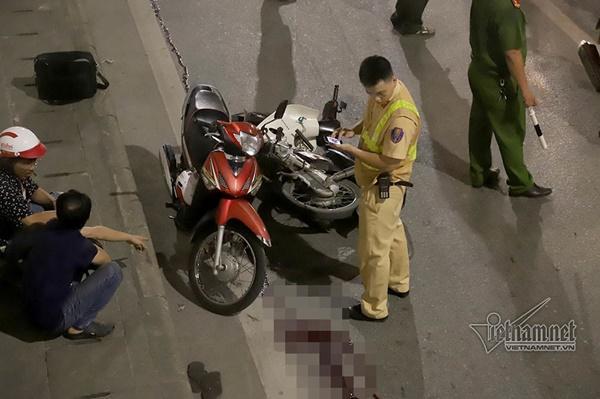 2 xe máy đâm nhau trong hầm Kim Liên, người đàn ông bị thương nặng-2