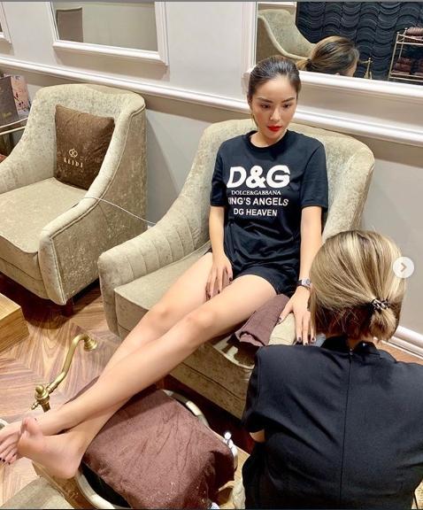 Tiệm nail bị chê trách hết lời, Hoa hậu Kỳ Duyên tiết lộ đã thiết quân luật nhân viên đâu ra đó-2
