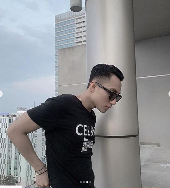Mặc áo hàng hiệu na ná Lisa (Black Pink): Sơn Tùng bị chê giống bóng Long Xuyên-2