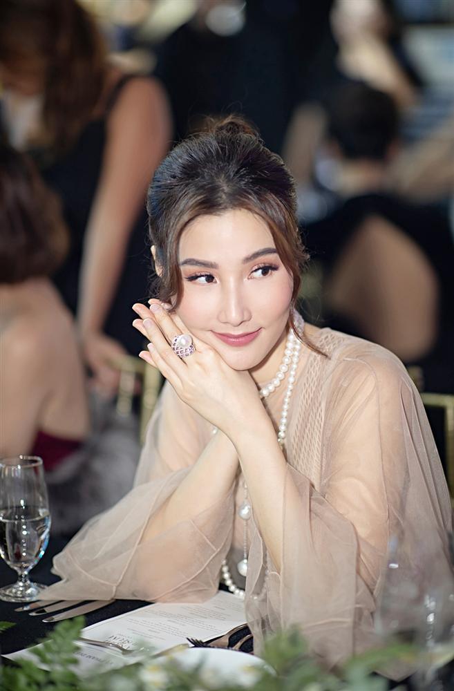 Đụng váy với Song Hye Kyo, Diễm My can tâm nhận mọi sự so sánh-3