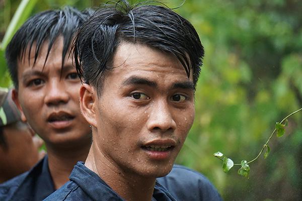 Rừng ở Đà Nẵng bốc cháy dữ dội, hơn 100 người tham gia dập lửa-5