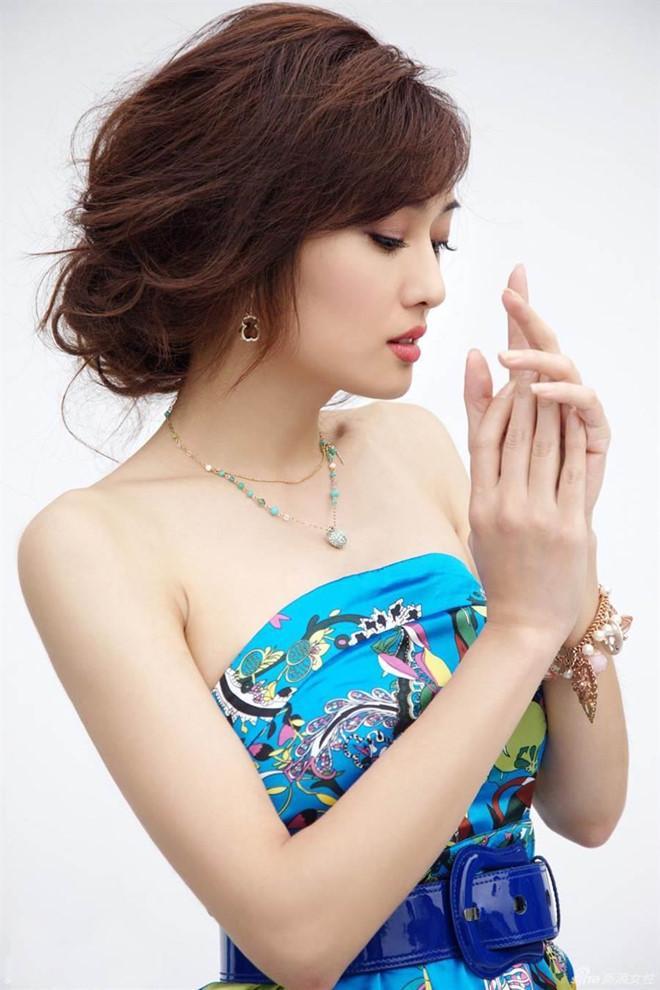 Lý Mạc Sầu Mạnh Quảng Mỹ - biểu tượng gợi cảm lâm cảnh nợ nần vì yêu-3