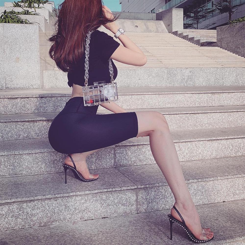 Học Ngọc Trinh cách diện quần tập bó sát ra phố mà không bị lộ hàng như tình cũ Trường Giang, Mai Phương Thúy-7