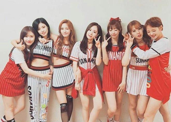 Công ty giải trí Hàn bị tố quỵt 54.000 USD tiền quyên góp của fan-1