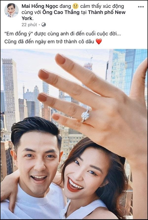Ơn giời, sau 10 năm yêu nhau Ông Cao Thắng cũng đã chịu cầu hôn Đông Nhi rồi!-1