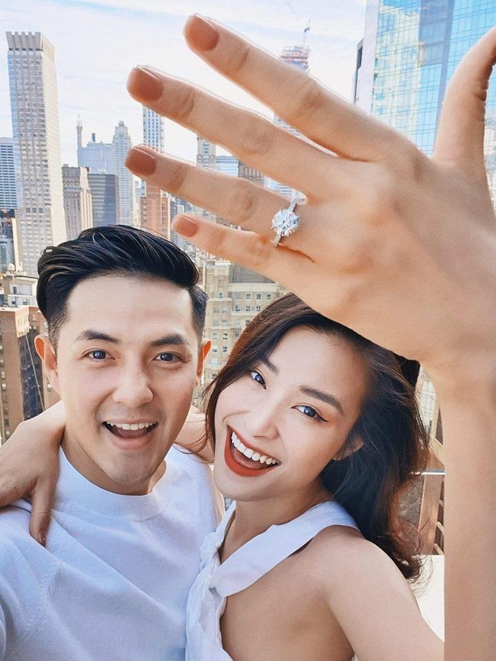 Đông Nhi đồng ý làm vợ Ông Cao Thắng, khán giả xúc động: Cuối cùng showbiz cũng có tình yêu lâu bền-1