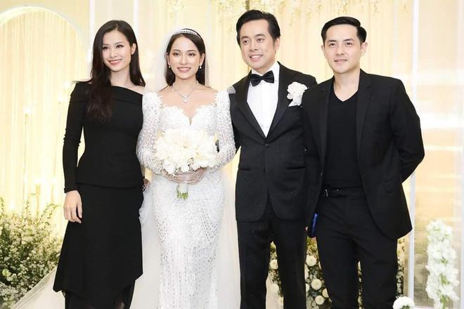 Ông Cao Thắng - Đông Nhi: Hành trình 10 năm lên đồ đồng điệu của cặp đôi vàng trong làng đi ăn cưới nhà người ta-2