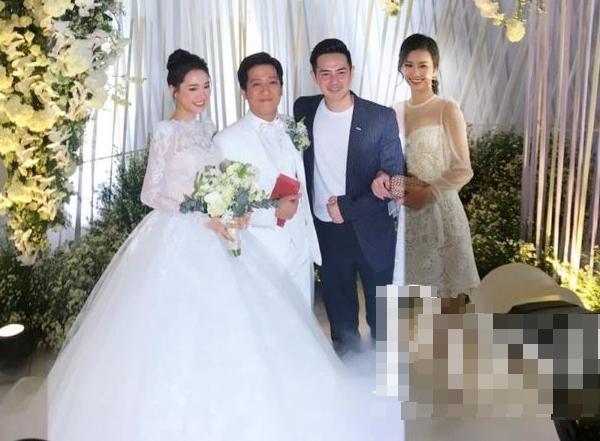 Ông Cao Thắng - Đông Nhi: Hành trình 10 năm lên đồ đồng điệu của cặp đôi vàng trong làng đi ăn cưới nhà người ta-5