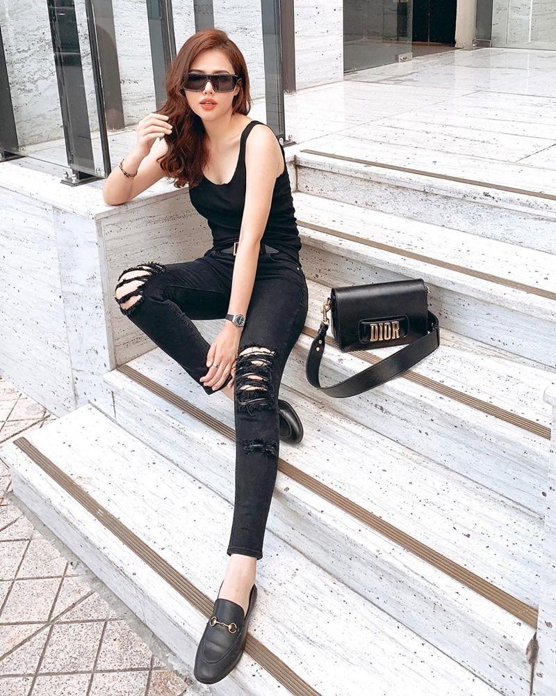 Con gái cứ mặc đồ đen là auto chất: Cứ nhìn Chi Pu, Tú Hảo, Phí Phương Anh tuần qua thì biết!-5