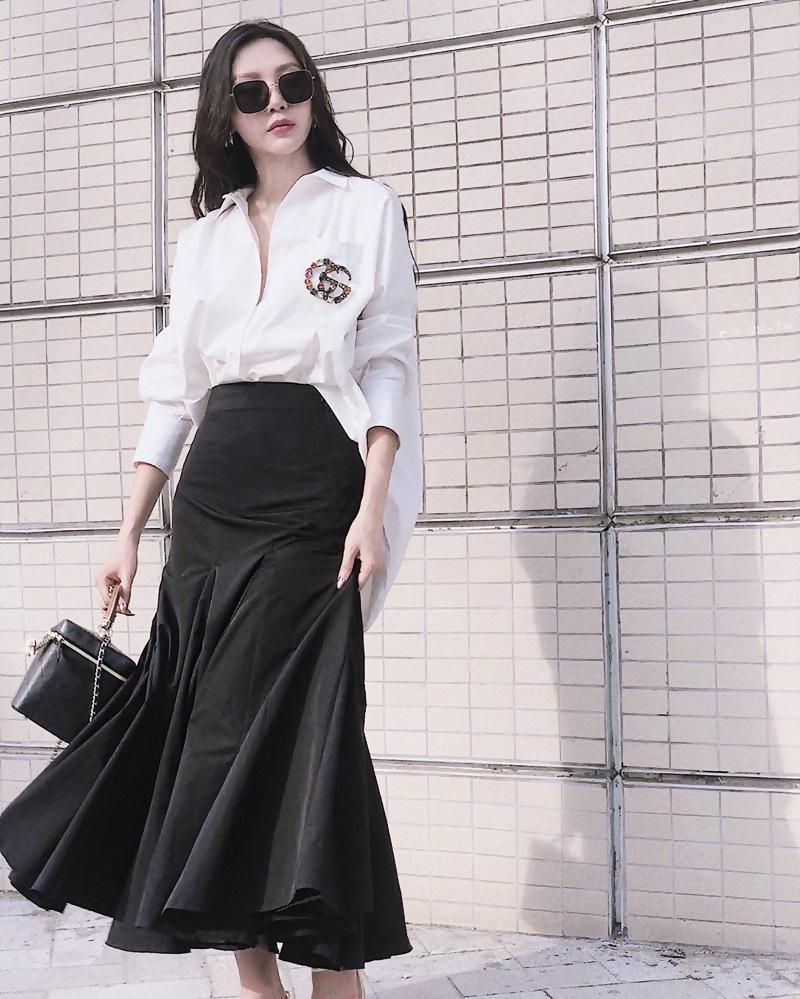 Con gái cứ mặc đồ đen là auto chất: Cứ nhìn Chi Pu, Tú Hảo, Phí Phương Anh tuần qua thì biết!-9