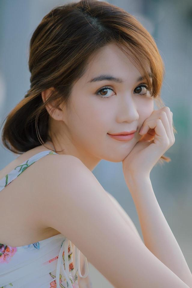 Linh Chi tuyên bố muốn cắn nát mặt Ngọc Trinh-1