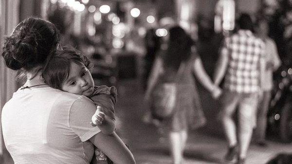 Ly hôn là bất hiếu? - câu chuyện buồn của một người mẹ tay trắng nuôi con gây bão mạng xã hội, khiến nhiều người phải suy ngẫm-2