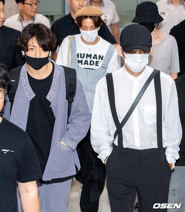 Fan xót xa khi thấy Jimin (BTS) kiệt sức xuất hiện tại sân bay với chi chít miếng dán giảm đau trên người-2