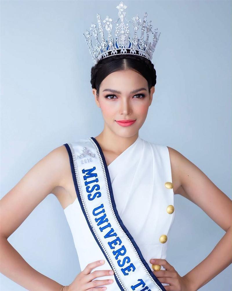 Bản tin Hoa hậu Hoàn vũ 9/7: Hoàng Thùy mặc váy cưới lộng lẫy, thần thái sắc lạnh chặt chém đối thủ Thái Lan-3