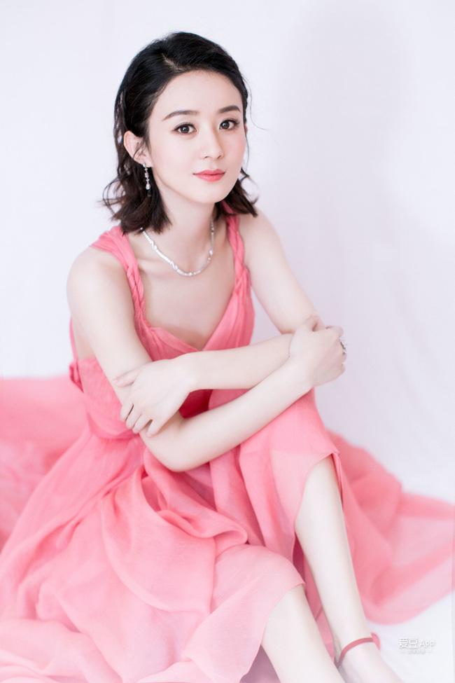 Triệu Lệ Dĩnh - Lưu Diệc Phi: Cùng sinh năm 1987, người là nữ hoàng rating, kẻ mang danh độc dược phòng vé-2