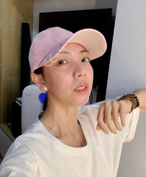 Hoa hậu hài Thu Trang mặt sưng phù loang lổ - Hari Won mất điểm với mái tóc như điện giật-3