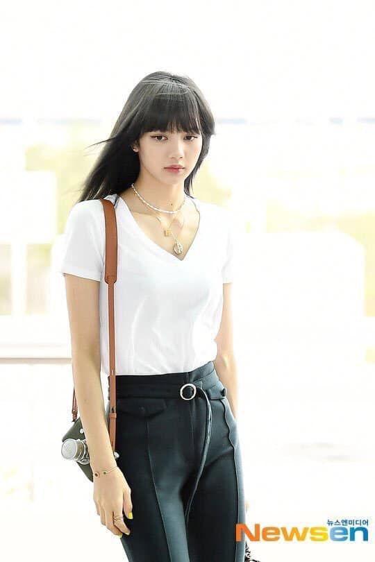 Hoa hậu hài Thu Trang mặt sưng phù loang lổ - Hari Won mất điểm với mái tóc như điện giật-9