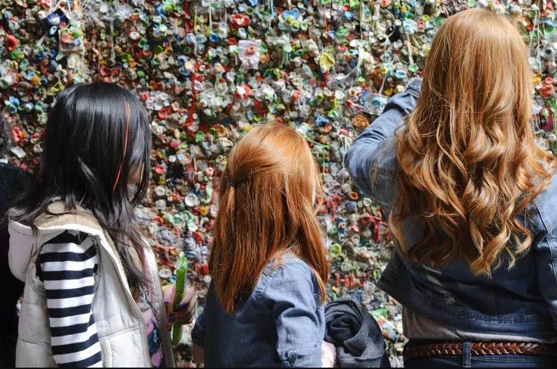 Những sự thật kỳ lạ về bức tường kẹo cao su có 1-0-2-5