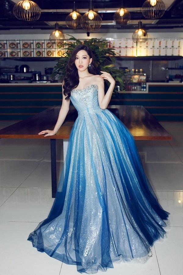 Bộ ba Hoa hậu Việt Nam 2018 sau 1 năm giờ ra sao?-16