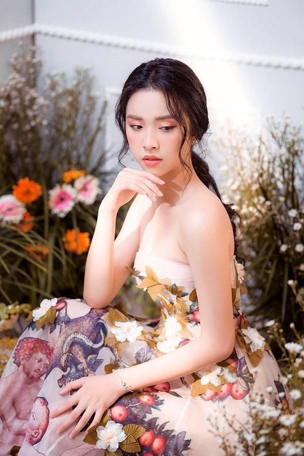 Bộ ba Hoa hậu Việt Nam 2018 sau 1 năm giờ ra sao?-23