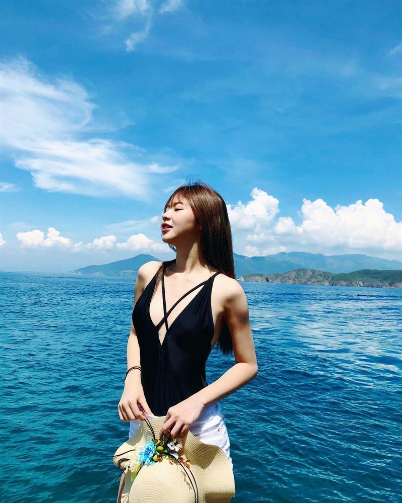 Liz Kim Cương diện bikini khoe body nóng bỏng thế này ai chẳng chết mê chết mệt chứ đâu riêng Trịnh Thăng Bình-8