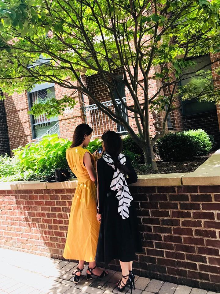 Hồ Ngọc Hà chia sẻ ảnh du hí ở Mỹ nhưng sự chú ý lại dồn về phía mẹ ruột của cô-1