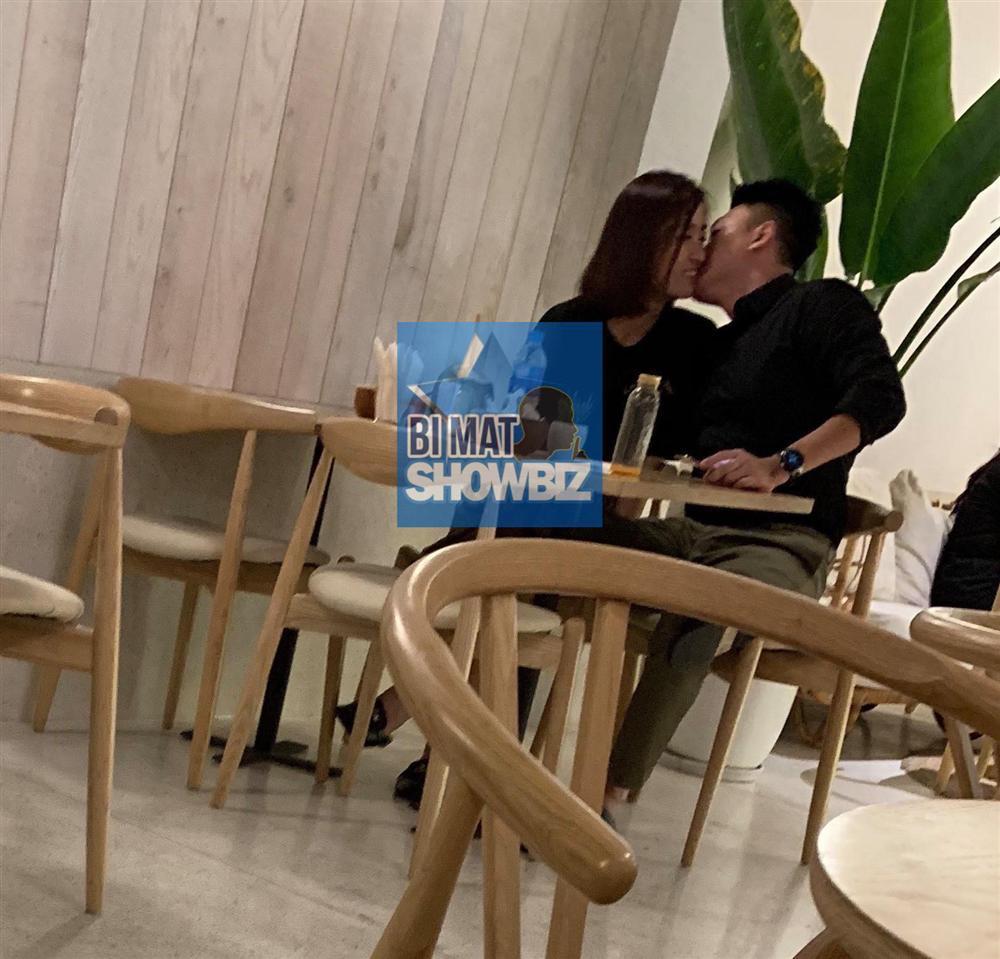 Lộ ảnh hẹn hò tình cũ của Á hậu Tú Anh, mối quan hệ giữa Đỗ Mỹ Linh và đàn chị có còn êm đẹp?-1