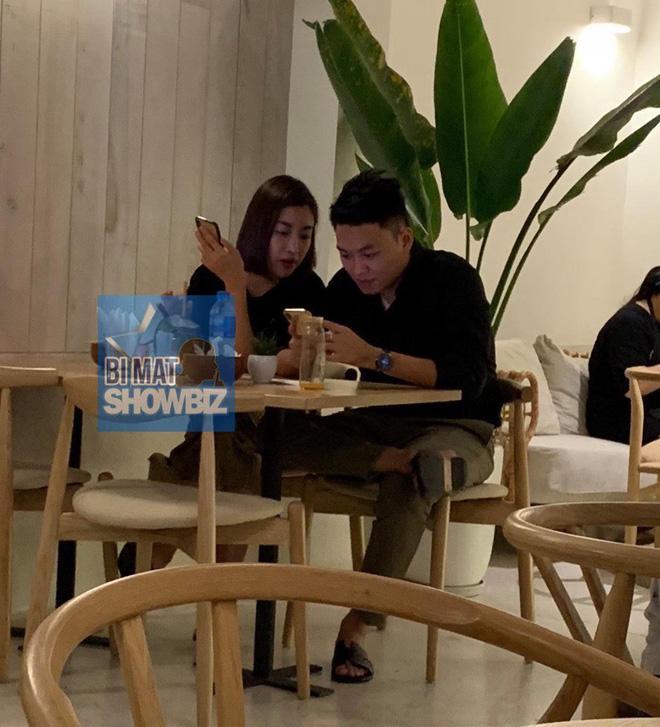 Lộ ảnh hẹn hò tình cũ của Á hậu Tú Anh, mối quan hệ giữa Đỗ Mỹ Linh và đàn chị có còn êm đẹp?-2