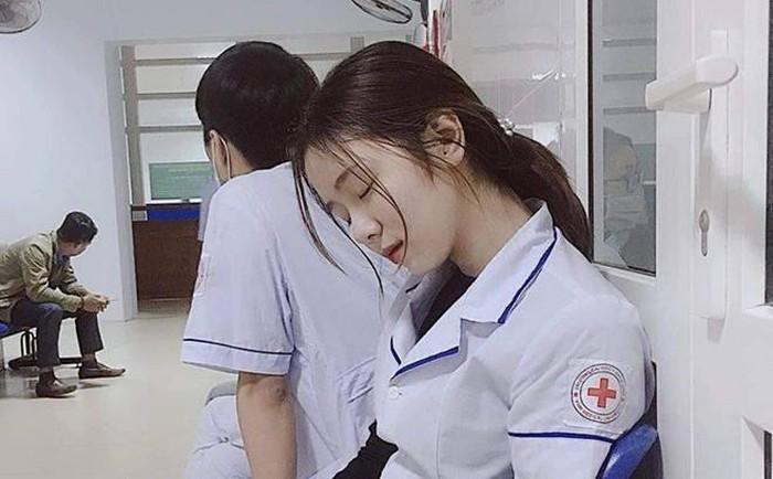 Những cô gái Việt lên báo nước ngoài nhờ màn dậy thì thành công-4