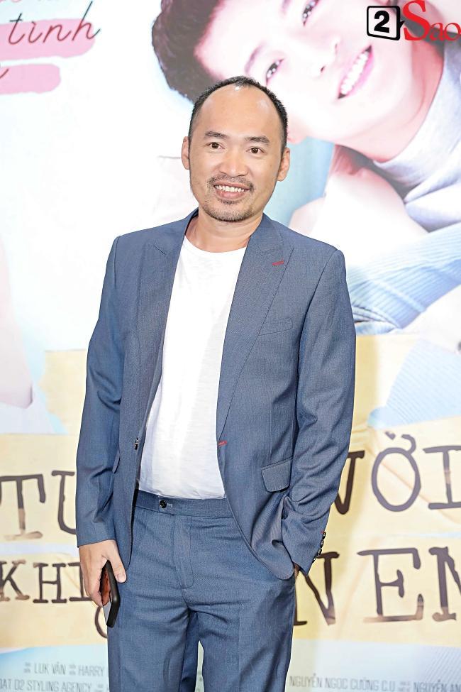 Đi ra mắt phim mới của Harry Lu, Midu lại mải mê chụp ảnh cùng Quốc Trường Về Nhà Đi Con-15