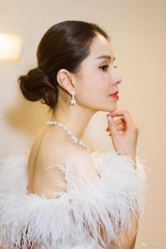 Tiểu Long Nữ Lý Nhược Đồng đẹp như nữ thần ở tuổi 45-4