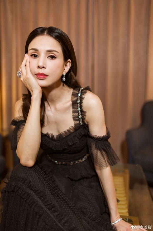 Tiểu Long Nữ Lý Nhược Đồng đẹp như nữ thần ở tuổi 45-5