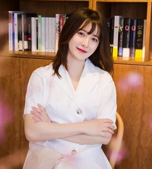 Nàng Cỏ Goo Hye Sun áp lực giảm cân vì tăng 14 kg-1