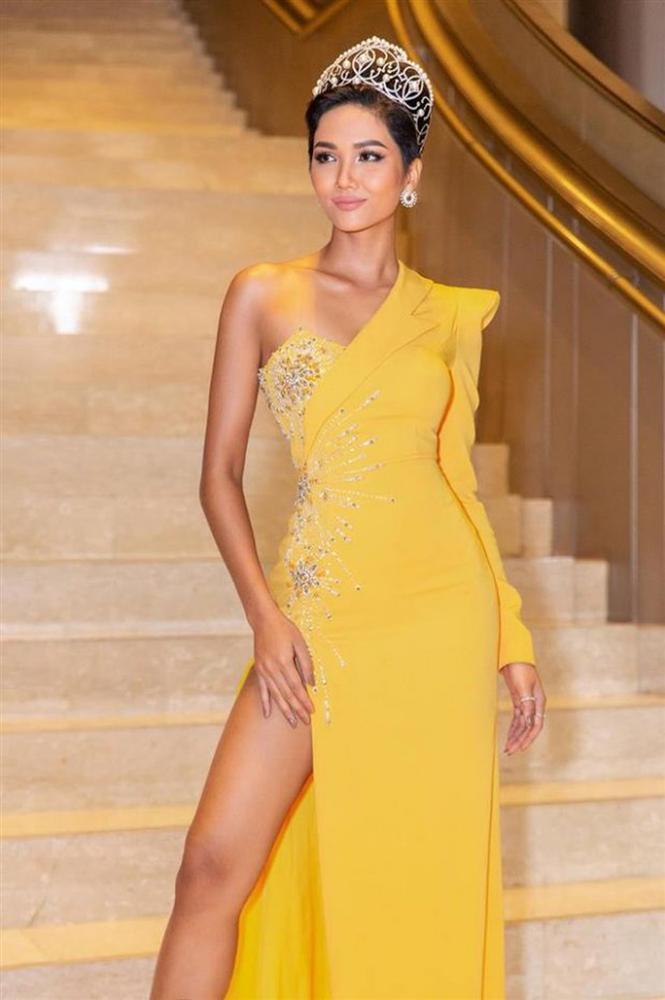 Hoa hậu Hoàn vũ Việt Nam tiếp theo chưa biết là ai nhưng HHen Niê đã làm gãy vương miện mất rồi!-8