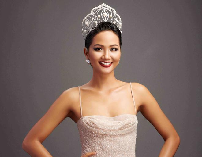 Hoa hậu Hoàn vũ Việt Nam tiếp theo chưa biết là ai nhưng HHen Niê đã làm gãy vương miện mất rồi!-9