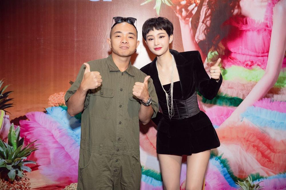 Cần Xa của Hiền Hồ không chỉ bị tố đạo nhạc Kpop trắng trợn mà còn ăn cắp ý tưởng MV của diva Đài Loan-9