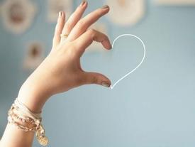 Muốn biết trong trái tim họ còn có mình không, hãy xem 4 hành động này