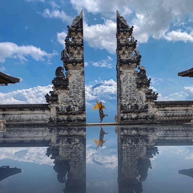 Vạch trần chiêu dựng cảnh bóng nước tại ngôi đền nổi tiếng Bali-1