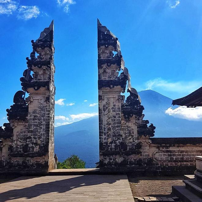 Vạch trần chiêu dựng cảnh bóng nước tại ngôi đền nổi tiếng Bali-2