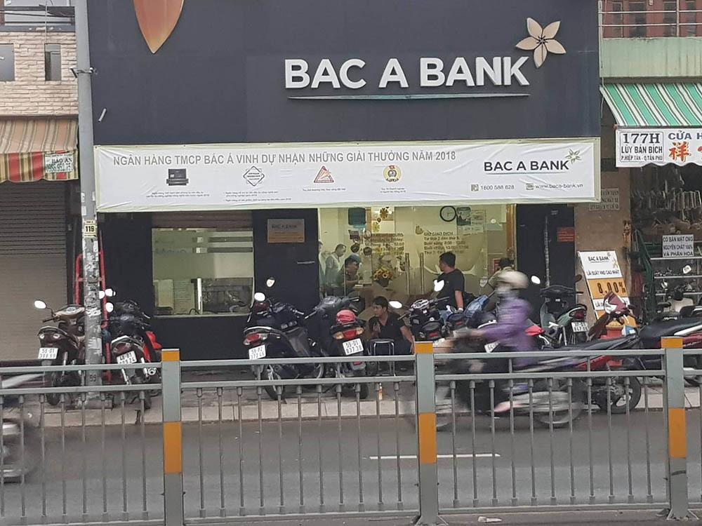 Bắt kẻ nghi dùng súng cướp ngân hàng Bắc Á ở Sài Gòn-1