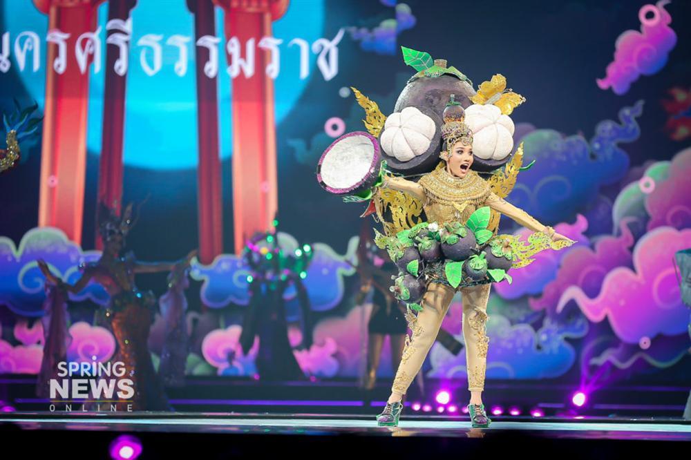 Thật như đùa ở Thái: Mỹ nữ quàng nải chuối lên người đi thi hoa hậu!-4